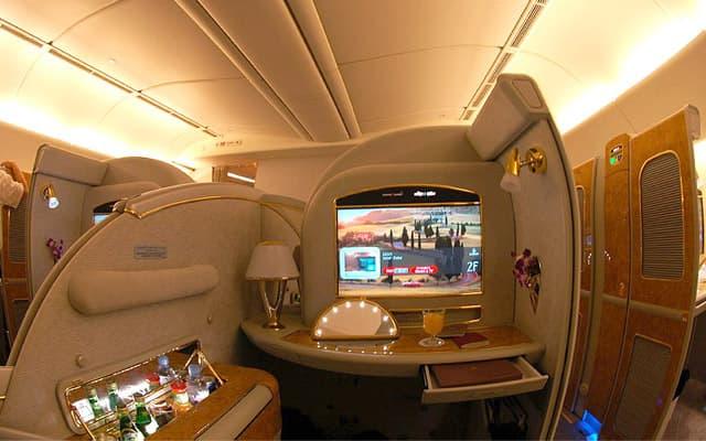 Boeing 777 300er Photo 4