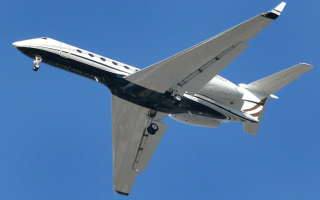 Gulfstream G450 Photo 1