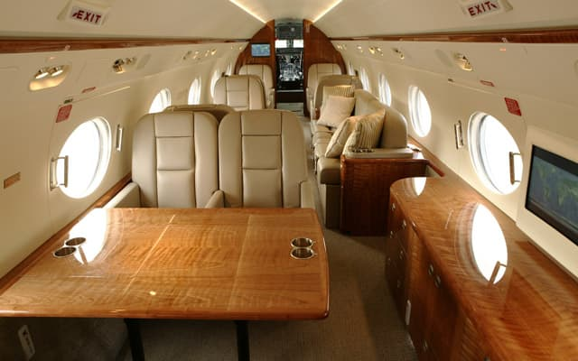 Gulfstream G450 Photo 2