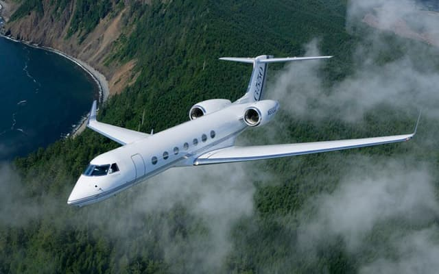 Gulfstream G550 Photo 1