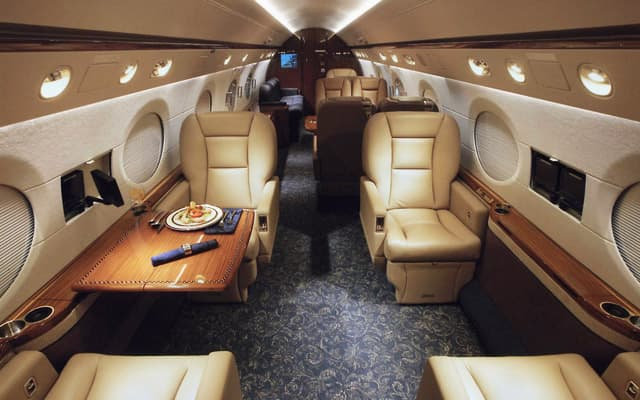 Gulfstream G550 Photo 2