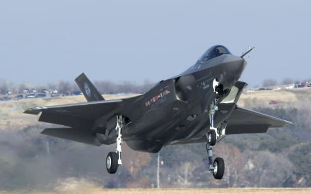 Lockheed Martin F35 Lightning II Photo 2