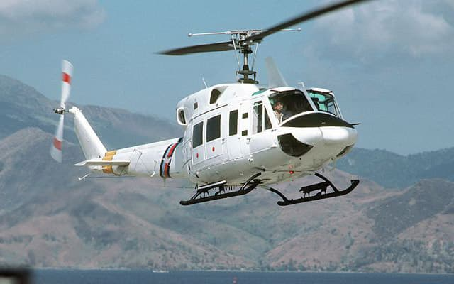 Bell 412 Photo 2