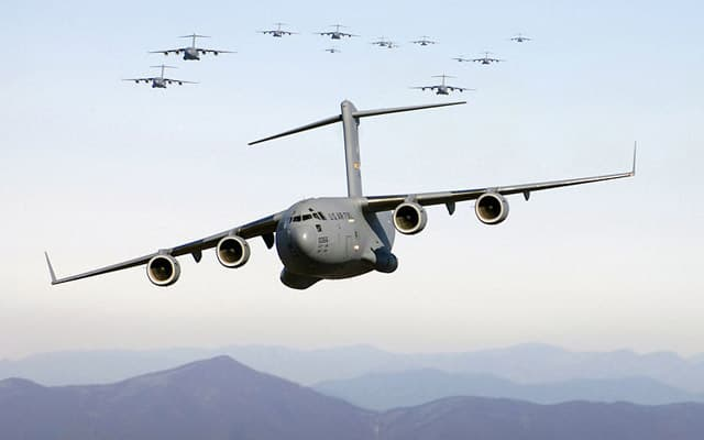 Boeing ids C 17 Globemaster III Photo 1