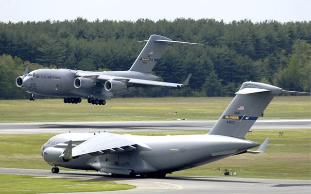 Boeing ids C 17 Globemaster III Photo 4