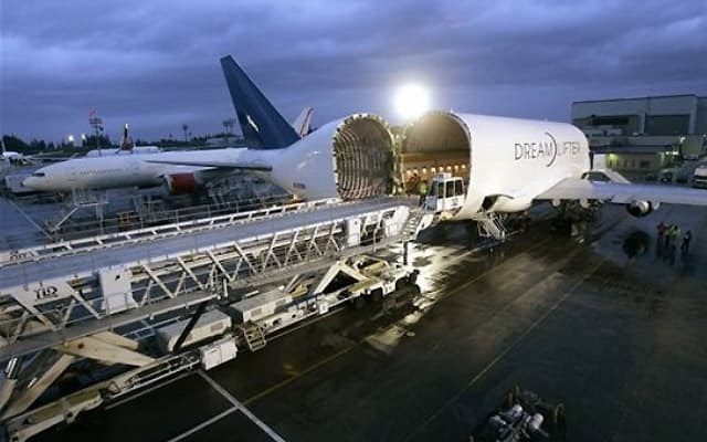 Boeing Dreamlifter lcf Photo 2