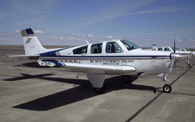 Beechcraft Bonanza g36 Photo 3