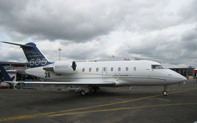 Bombardier Challenger 605 Pic 4