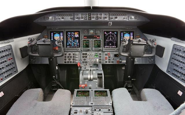 Bombardier Learjet 45 XR Pic 3