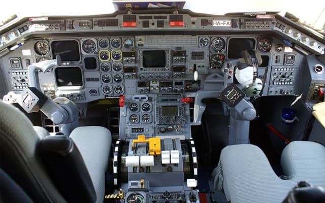 Embraer emb 120 Photo 2