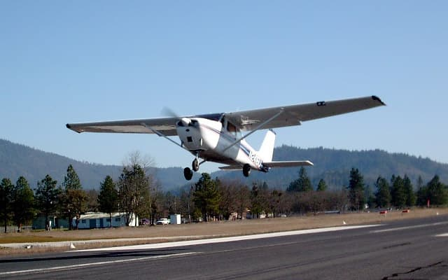 Cessna skyhawk Photo 4