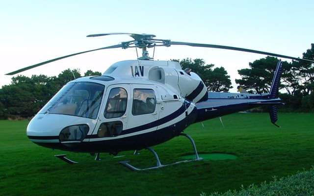 Eurocopter Ecureuil AS355 NP Photo 3